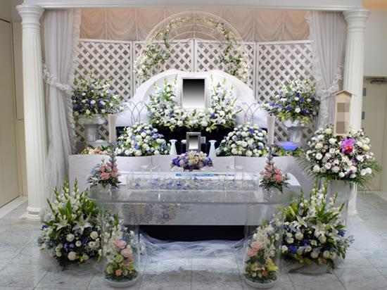 無宗教葬の花祭壇